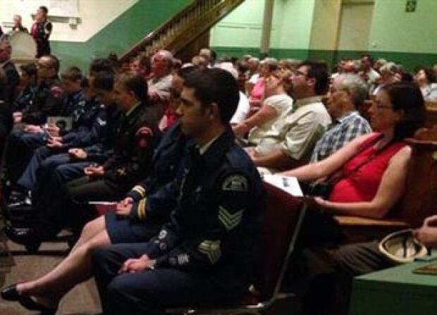 Many generations at World War 1 ceremony