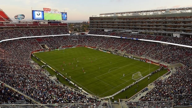 Levi's Stadium, the 68,500-seat home of the NFL's San Francisco 49ers, will play host to a NHL outdoor game featuring Pacific Division rivals San Jose and the Los Angeles Kings on Feb. 21.