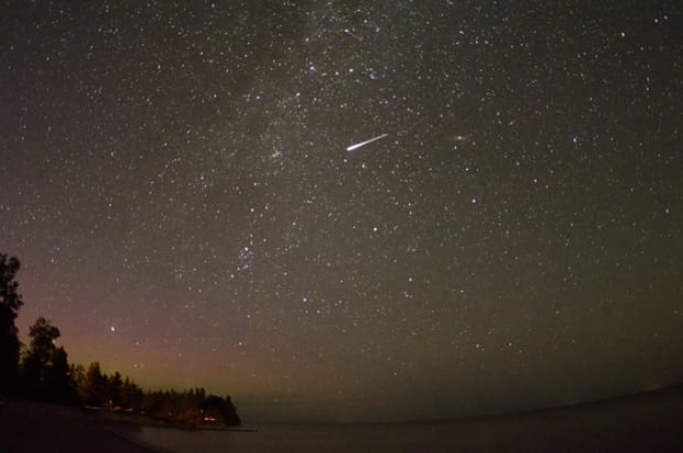 Perseid meteor from north of Gimli Manitoba