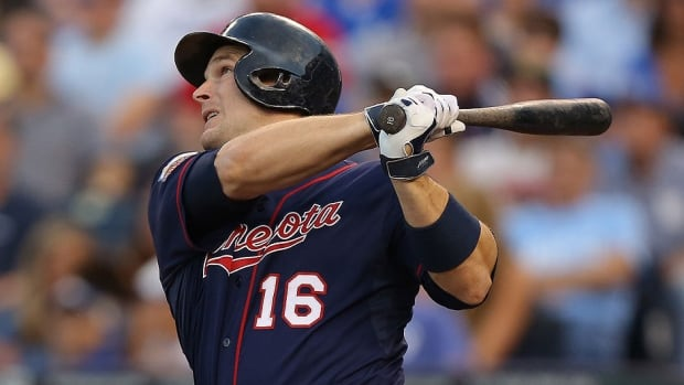 The Minnesota Twins on Monday traded outfielder Josh Willingham to Kansas City. Willingham was hitting just .210 for the Twins this season, but his 12 homers in limited at-bats were appealing for a Royals club that has struggled to find power.