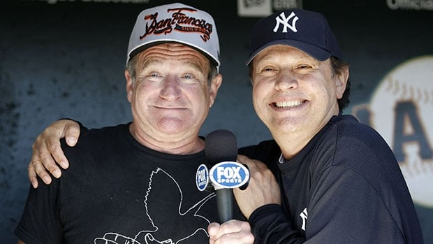 Robin Williams, left, a Giants fan, and fellow comedian/actor Billy Crystal, a Yankees supporter, had some fun during a Fox broadcast in 2007.