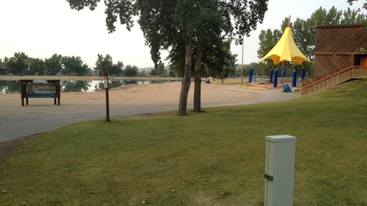 Calgary 39 S Sikome Lake And Outdoor Pools Open For Summer Calgary Cbc News