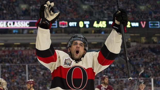 Senators forward Clarke MacArthur has re-signed with the team for five years and $23.25 million US. He is coming off a 2013-14 season in which he scored a career-high 24 goals and added 31 assists in 79 games.