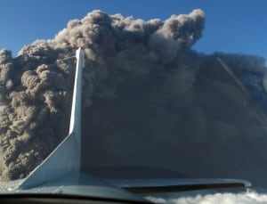 Iceland-Volcano-airplanes