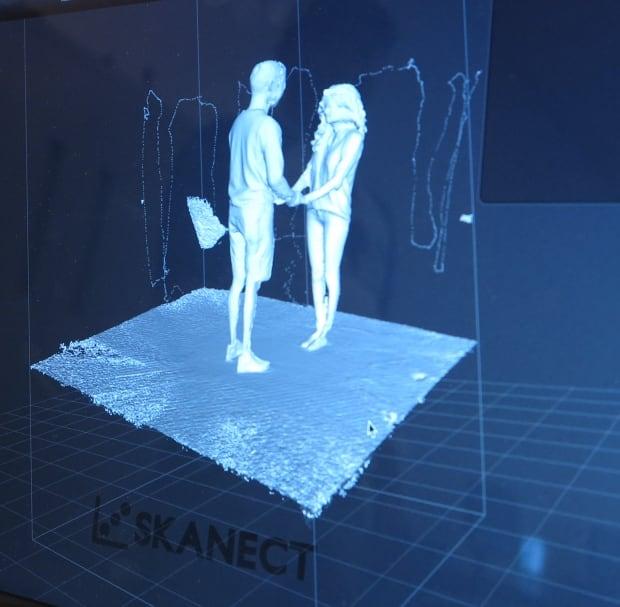 3D scan wedding caketopper