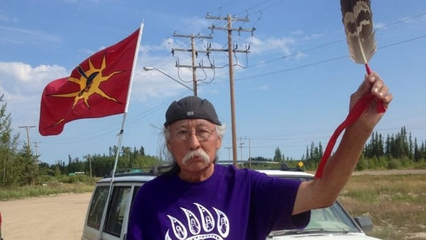 Cree elder Emil Bell is walking 400 kilometres with a petition calling for a national inquiry into missing and murdered aboriginal women.