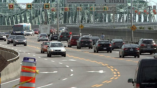 Traffic Jacques-Cartier Bridge Montreal