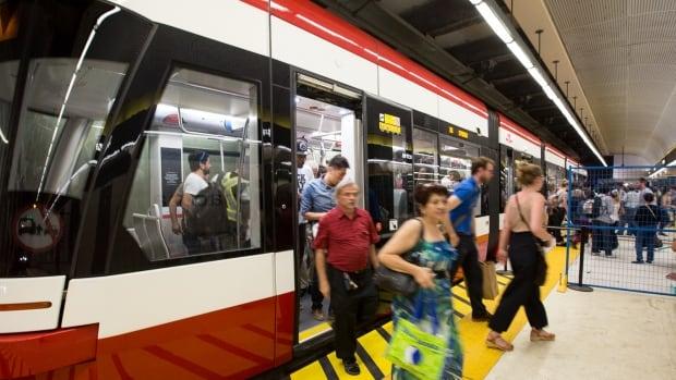New.Toronto.Streetcar.passengers