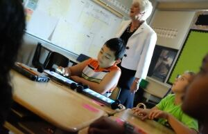 Hamilton school student uses iPad
