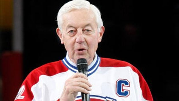 Montreal Canadiens legend Jean Béliveau is recovering at home after suffering from a pneumonia, his wife Élise Béliveau says.