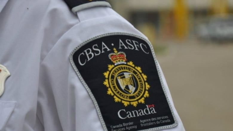 CBSA officer caught leaking police information to family members: internal docs