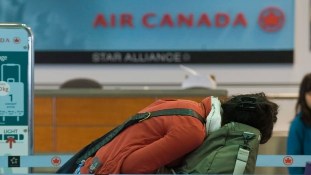 Air Canada will now charge passengers $25 for the first checked bag for economy-class travel in Canada, as well as those travelling to and from the U.S., Caribbean and Mexico.