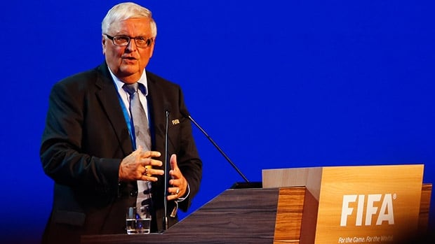 FIFA executive committee member Theo Zwanziger told the German media that the 2022 World Cup will not be held in Qatar.