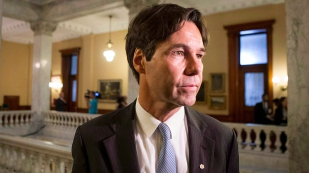 Ontario Health Minister Eric Hoskins said the province will update its guidelines to help front-line health workers deal with potential Ebola cases.