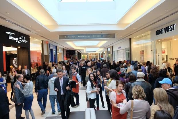 Polo Park expansion, shoppers