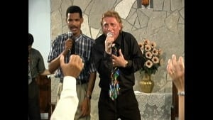 Len Lindstrom preaches in Cuba