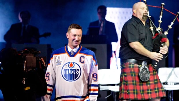Wayne Gretzky takes to the stage during the Edmonton Oilers 30th anniversary reunion of their first Stanley Cup winning team, at Rexall Place.