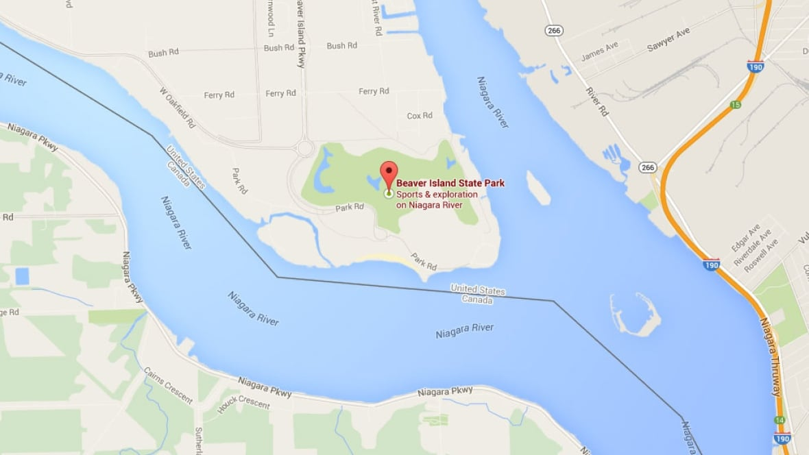 Canadian Woman Attempts To Kayak Across The Border Into The U S Toronto Cbc News