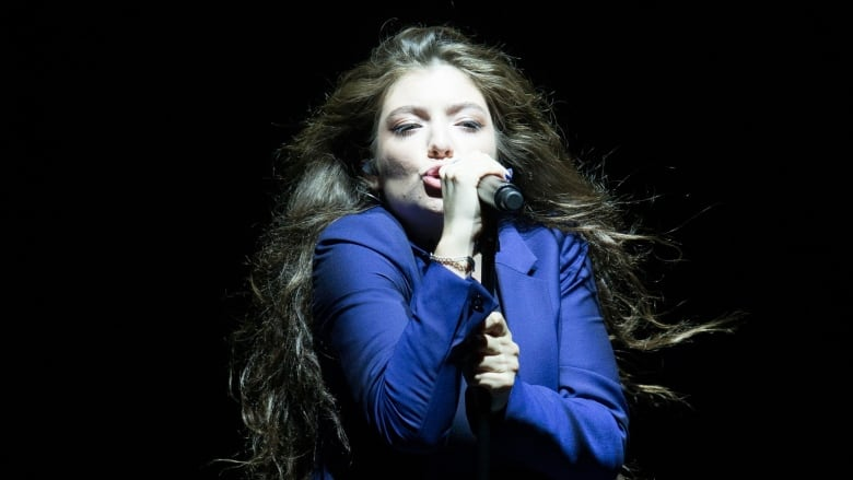 Lorde's hit Royals banned by San Francisco radio stations