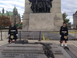Cpl. Nathan Cirillo guarding the National War Memorial