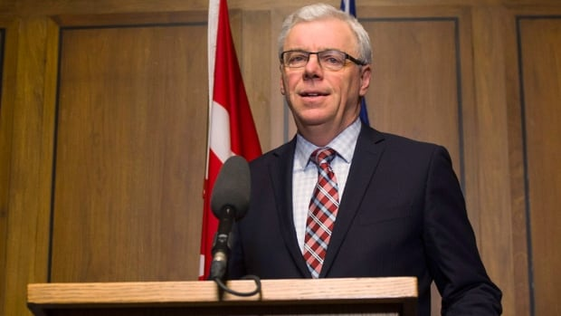 Manitoba Premier Greg Selinger will face a party leadership vote at the provincial NDP's annual convention in March