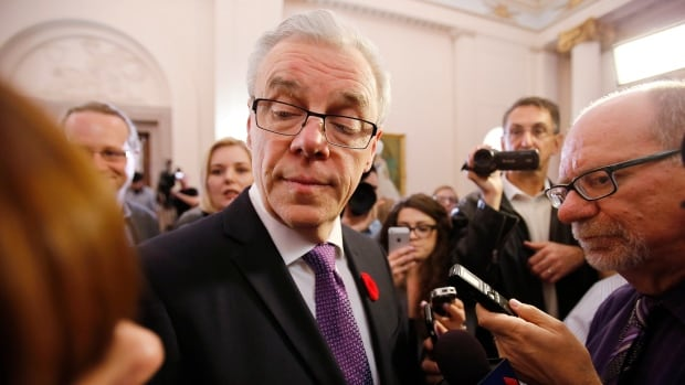 Manitoba Premier Greg Selinger lost five cabinet ministers in a caucus revolt in the face of poor polls. He is just the latest in a growing list of incumbents facing electoral defeat.