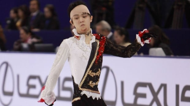Bandaged and bloodied, Yuzuru Hanyu of Japan still managed to win silver at the Cup of China on Saturday.