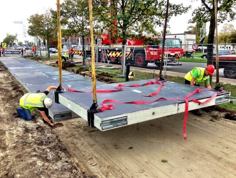 Dutch test SolaRoad solar panels on bike path