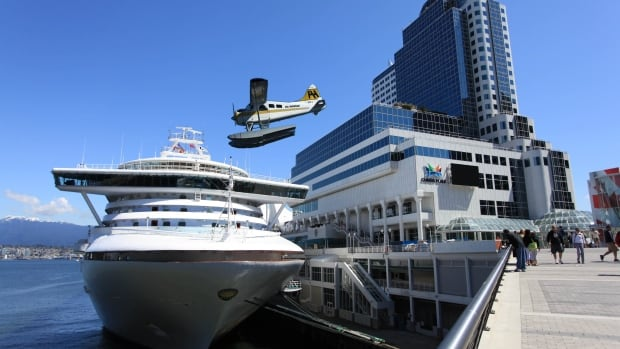 Harbour Air is proposing daily flights between downtown Vancouver and downtown Seattle.