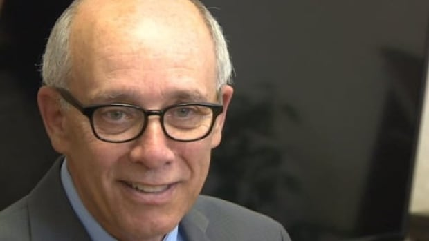 Stephen Mandel is expected to announce Wednesday his candidacy for leadership of the Alberta Party.