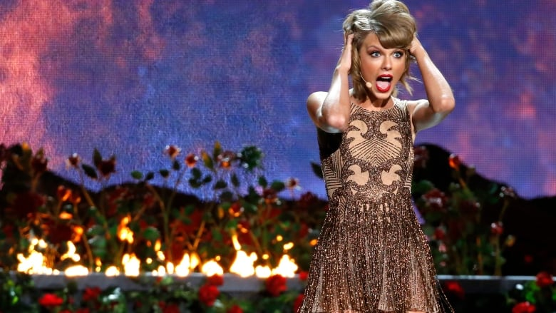 Taylor Swift Threatened With Nude Photos After Her Twitter Instagram Hacked Cbc News