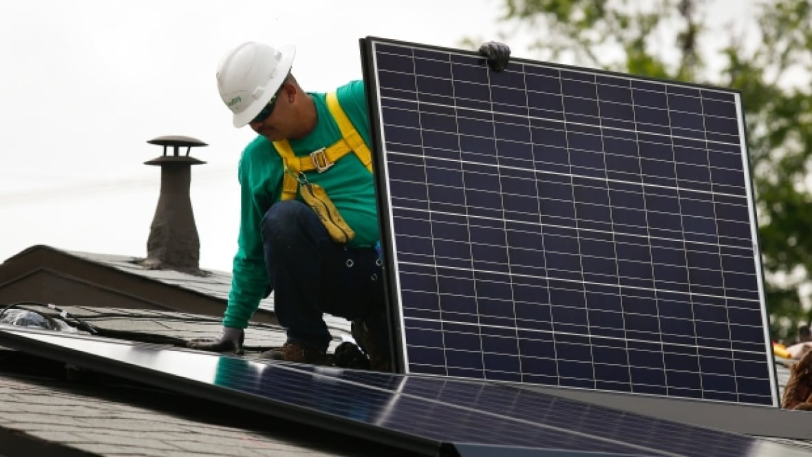 Ontario Firefighters To Get Solar Panel Safety Training