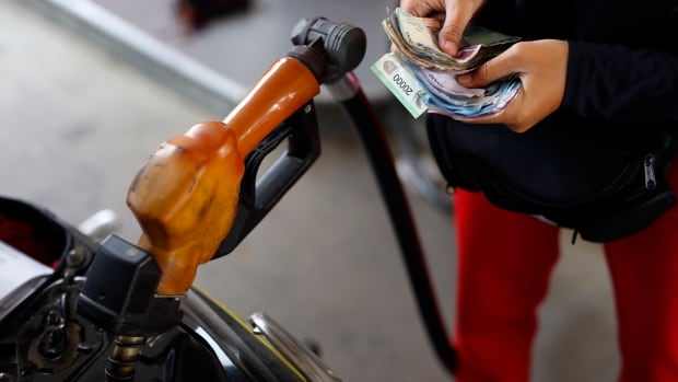 Gas station owners who are independent operators see their costs go down when oil prices tank. It's only the oil companies and their corporate-owner stations that suffer.