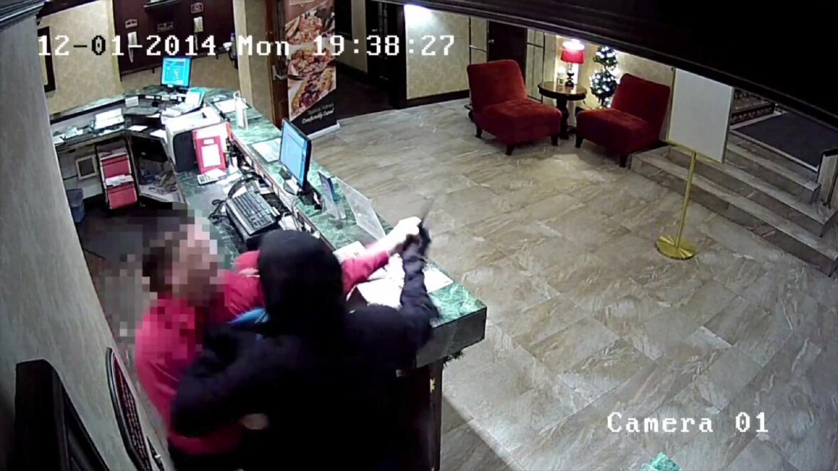Hotel clerk used luggage trolley against escaping thief ...