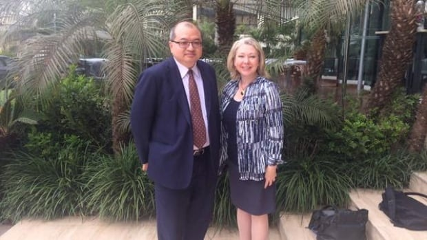 Minister Mary Polak met with Arthur Lee, Principle Advisor to Chevron Canada, to discuss effective carbon pricing in BC's liquefied natural gas (LNG) industry at the Lima Climate Change Conference.