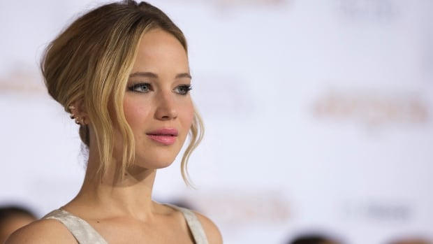 Jennifer Lawrence 16 X 9