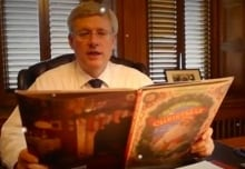 Stephen Harper reads Twas The Night Before Christmas