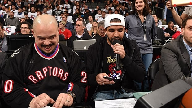 Drake announces Raptors' starting lineup with style