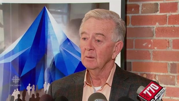 Preston Manning, former leader of the federal Reform Party, is now apologizing for the role he played in last week's defection of Danielle Smith and eight other Wildrose MLAs to Jim Prentice's Progressive Conservatives.