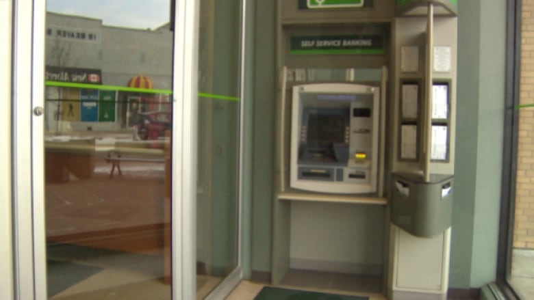 Td Bank Christmas Eve Hours.Charges Laid After False Bank Robbery In Vegreville Cbc News