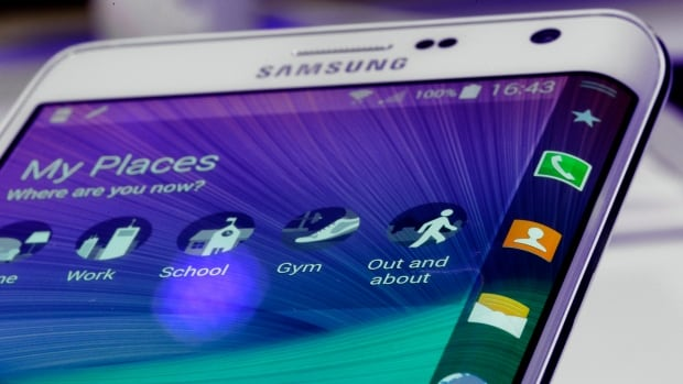 There are lots of great apps for modern smartphones like this Samsung Galaxy Note Edge, which came to the market in September.
