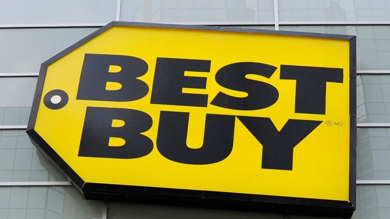 f3e35176eac Best Buy said its sales at established stores were up by 0.8 per cent,  defying Wall Street's expectations for a decline. (Mark Blinch/Reuters)