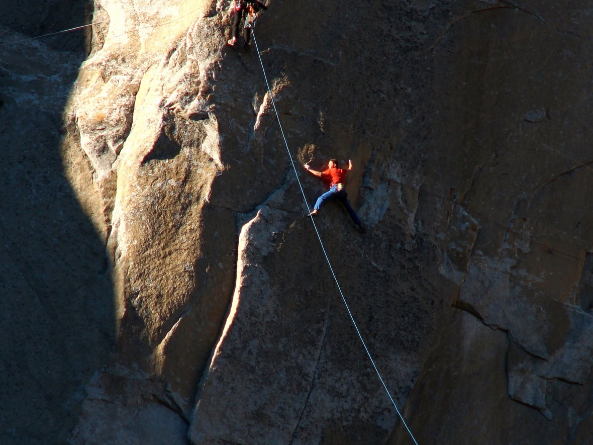 8006b854 El Capitan: Tommy Caldwell, Kevin Jorgeson make historic free climb up  Yosemite's Dawn Wall