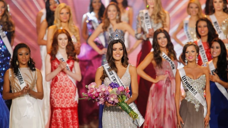 297ed6b22d Miss Colombia Paulina Vega smiles after being crowned Miss Universe at the  63rd Annual Miss Universe Pageant in Miami on Sunday. (Andrew  Innerarity/Reuters)