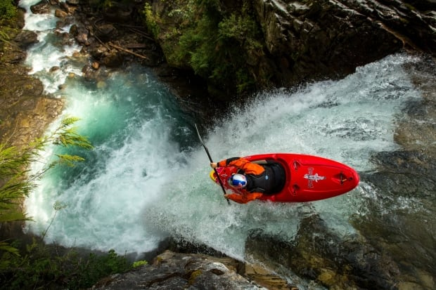 Aniol Serrasolses kayaks down the Keyhole