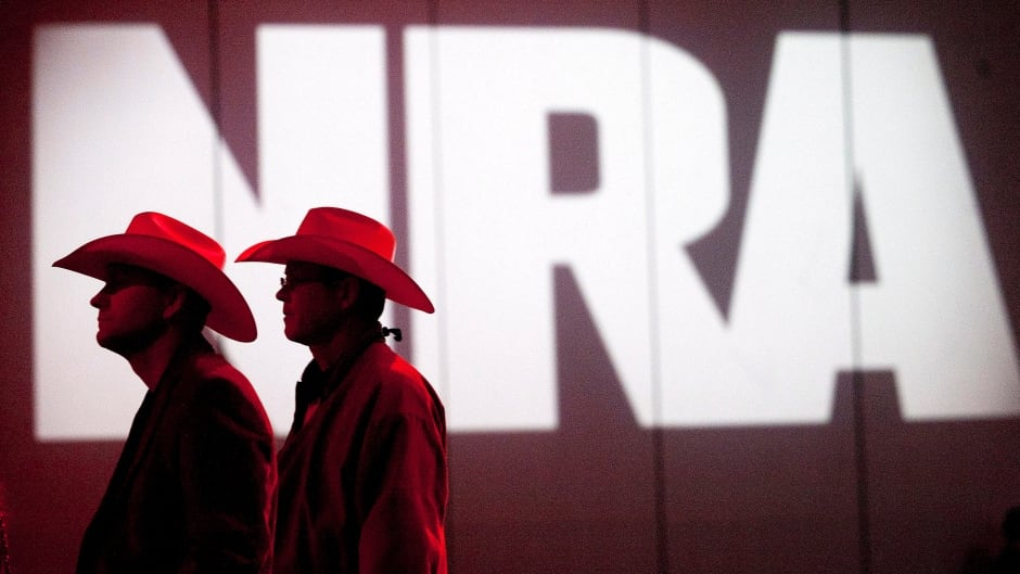 The powerful gun lobby group, NRA, looks for new members from the country music scene.