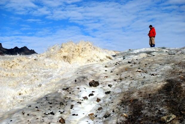 Steve Grasby sulphur glacier