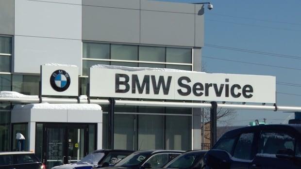 BMW Service sign