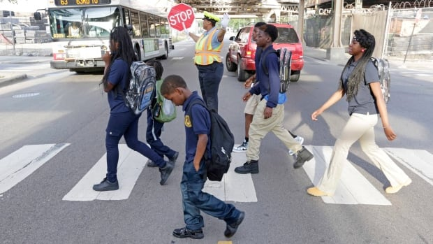 bfd8f659935 Teaching kids how to cross the street with virtual reality game ...