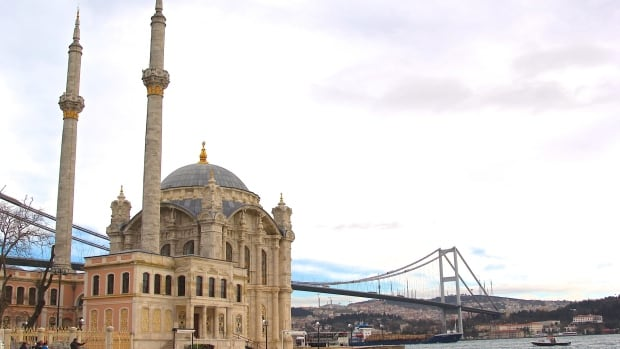 Istanbul's Ortaköy Mosque will be a model for a proposed mosque in Cuba